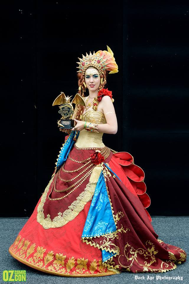 Major Sam in costume as La Carlotta with her Oz Comic Con National Cosplay Championship 2015 trophy. Photo by Dark Age Photography / Oz Comic Con.
